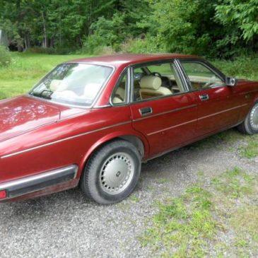 92 Jaguar 4 Door – $850 (Adrian Mi.)