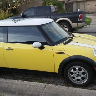 2005 Mini Cooper Base Hatchback 2-Door 1.6L, $3000