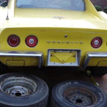 1972 Corvette Coupe. Matching number project. – $6000 (Oak brook)
