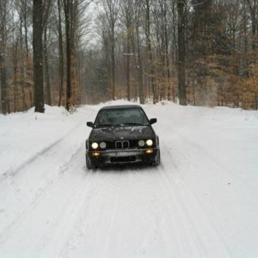 1988 325ix e30 BMW – $8000 (Daggett)