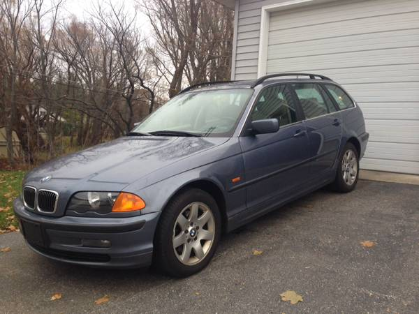 2001 bmw 325xi sport wagon awd 4900 traverse city. Black Bedroom Furniture Sets. Home Design Ideas