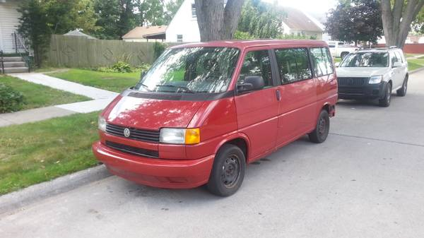 Rare and unique 1995 Vw Eurovan 5 speed manual – $1000 (Dearborn Heights)