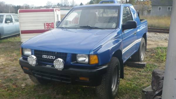 Isuzu Amigo 2 Wheel Drive Southern body – $2875 (Mancelona)