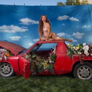 Beyoncé and a Porsche 914